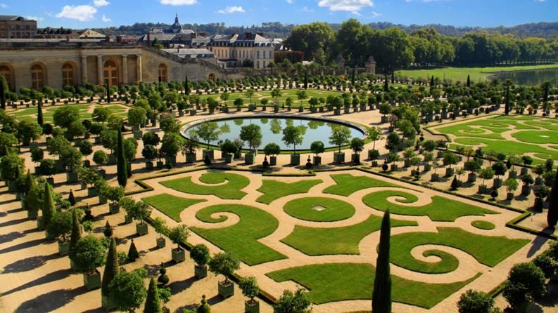 Versailles Garden at Peninsula Paris