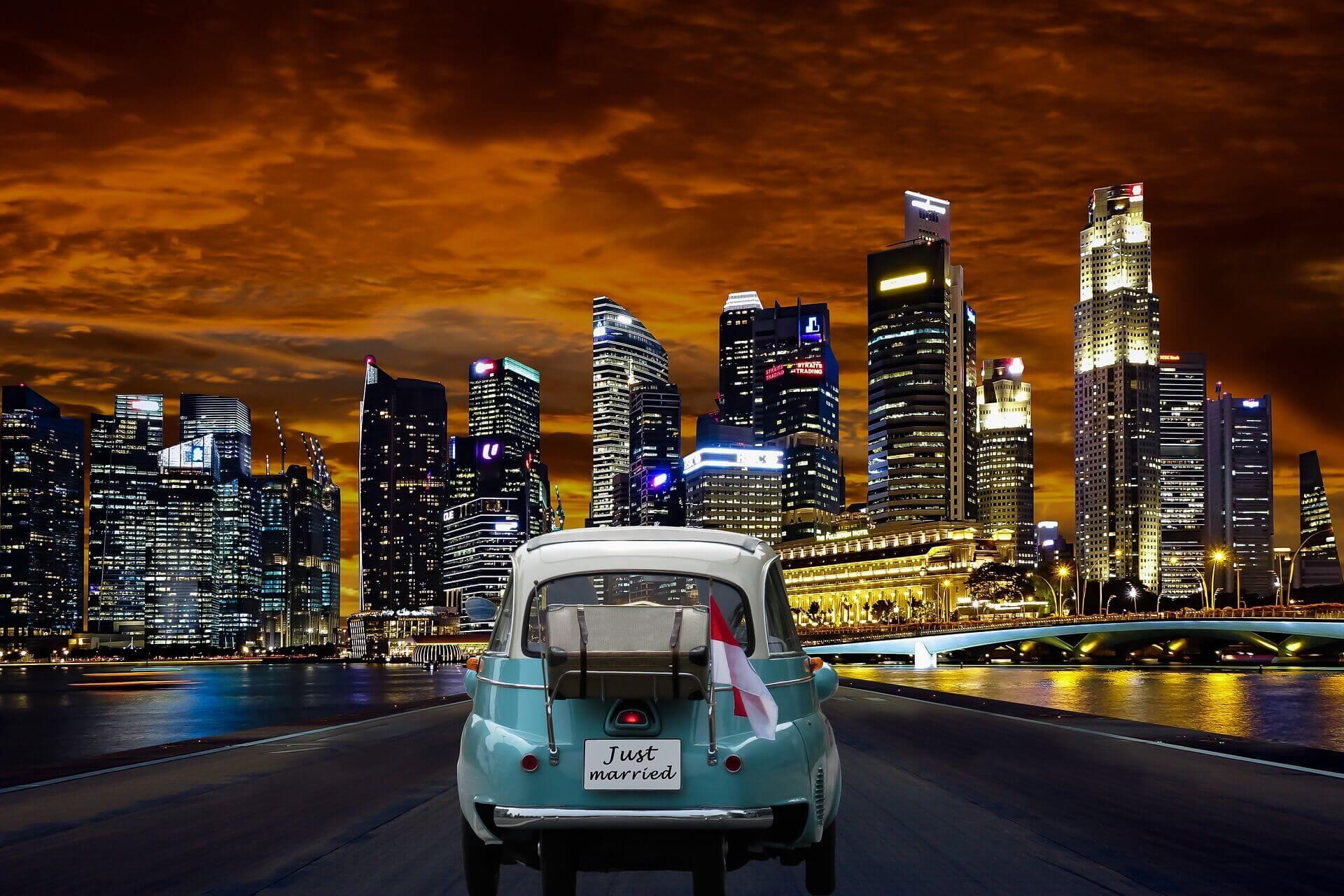 Top 10 Popular Honeymoon Destinations.