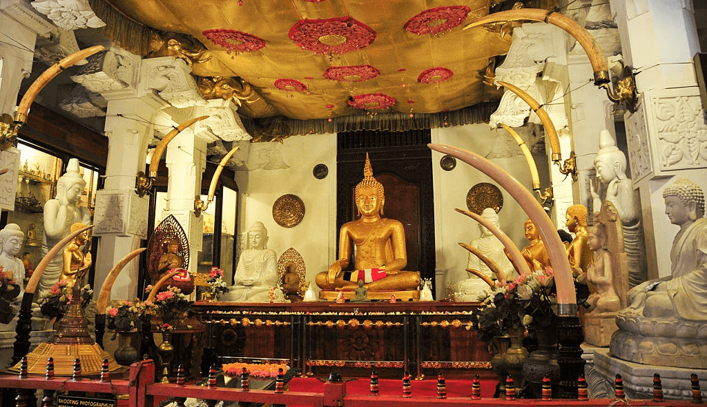 Buddha Tooth Temple